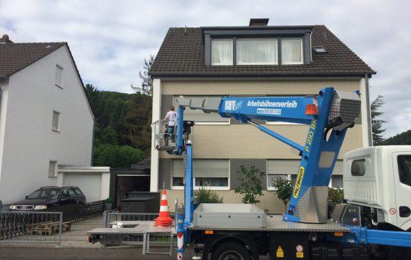 Fassadenarbeiten Hubsteiger